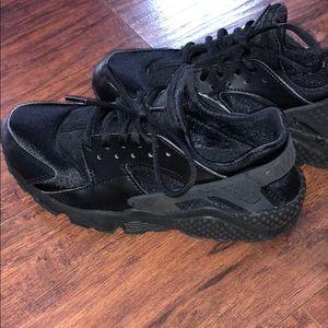 Nike air all black Huarache
